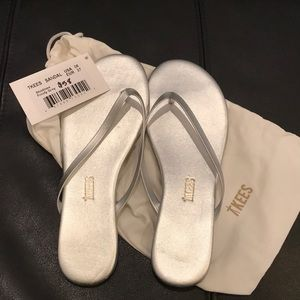 TKEES Frosty Grey Sandals
